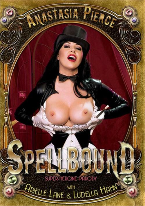 Spellbound: A Super-Heroine Parody erotik izle